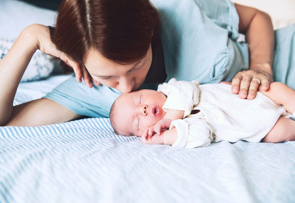 cosleeping-perche-al-bambino-fa-bene-dormire-nel-lettone