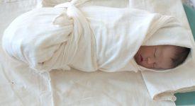 fasciare-il-neonato-perche