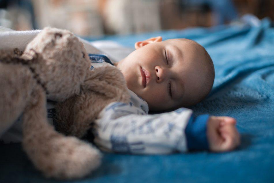 quando-preoccuparsi-se-neonato-dorme-troppo
