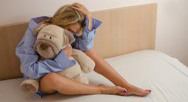 madre-tenta-di-abbandonare-il-figlio-in-ospedale-ma-gli-operatori-sanitari-la-fermano