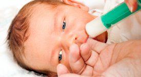 allattare-con-la-siringa-il-neonato