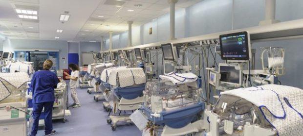 terapia-intensiva-al-fatebenefratelli-ora-i-genitori-possono-stare-accanto-al-bambino