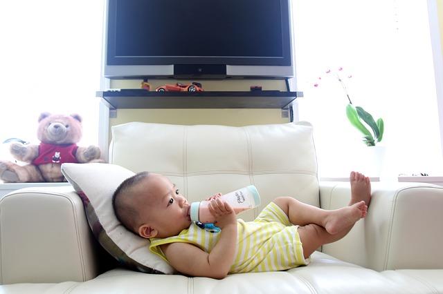 il-bambino-non-dorme-la-soluzione-e-lo-svezzamento-precoce