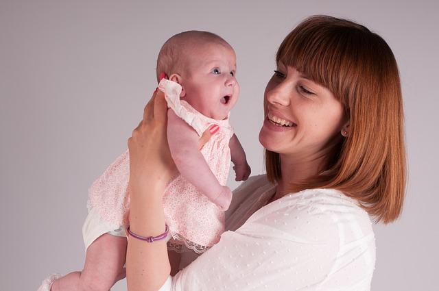 scopre-di-avere-un-tumore-al-seno-in-gravidanza-una-cura-sperimentale-salva-lei-e-il-bambino