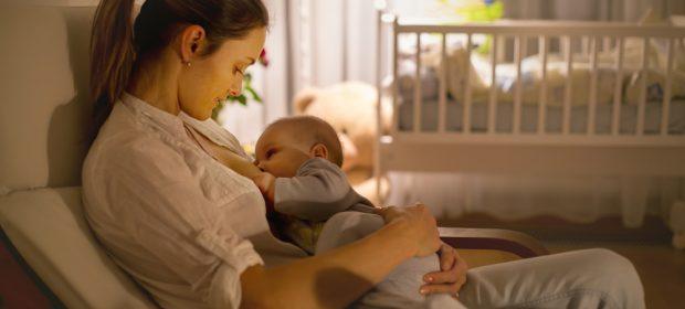 allattamento-al-seno-gli-effetti-benefici-degli-ormoni-sul-cervello-della-mamma