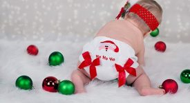 neonati-il-natale-in-famiglia-ecco-alcuni-trucchi-per-proteggerli-dai-parenti