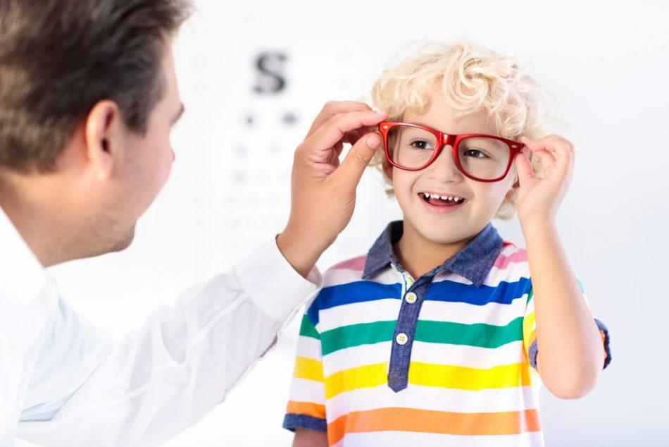 bambini-e-occhiali-da-vista-come-abituarli