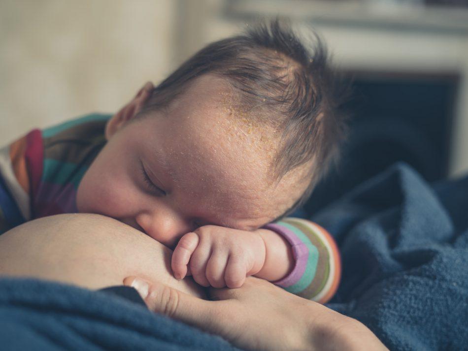 lallattamento-prolungato-aiuta-a-proteggere-il-cuore-delle-mamme