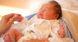 neonati-limportanza-dei-rumori-bianchi-cosa-sono-e-come-conciliano-il-loro-sonno