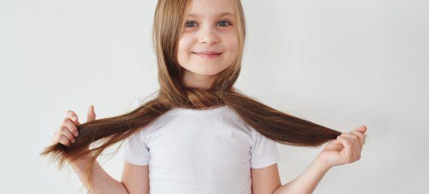 capelli-dei-bambini-tutto-quello-che-ce-da-sapere-per-farli-crescere-sani-e-forti