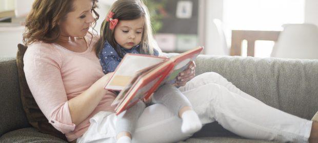leggere-sempre-lo-stesso-libro-al-proprio-figlio-lo-rende-piu-intelligente-lo-dice-la-scienza