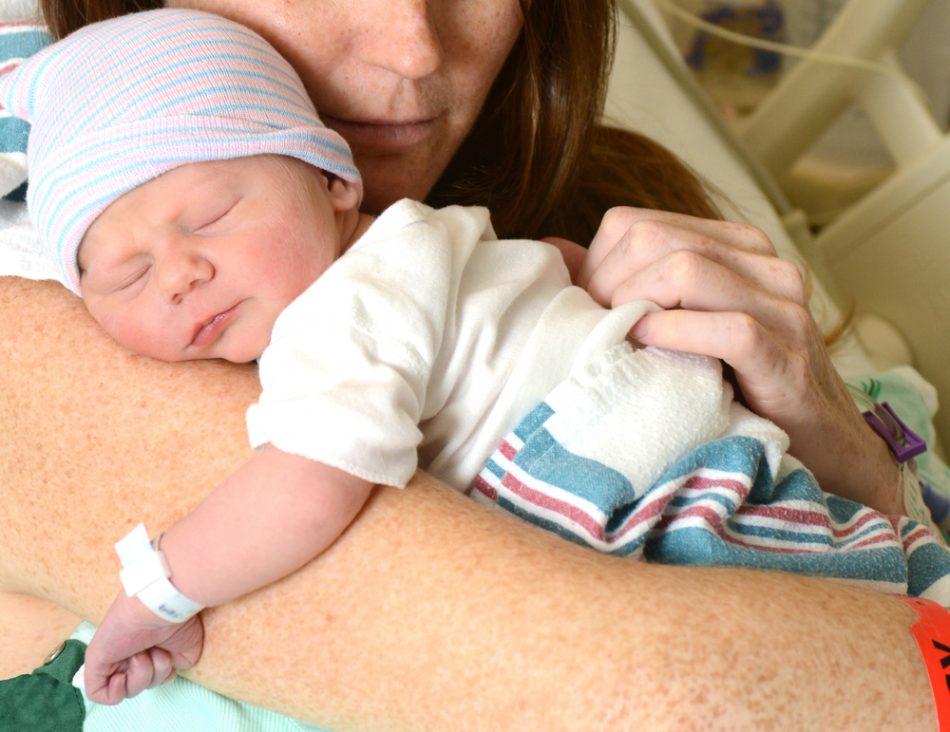 neonata-tolta-e-poi-riaffidata-ai-genitori-era-risultata-positiva-alla-cocaina-per-errore