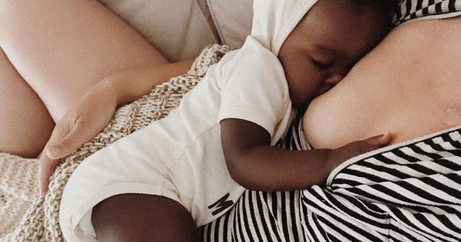 allattare-un-bambino-adottato-si-puo-la-storia-di-alissa-e-emelia