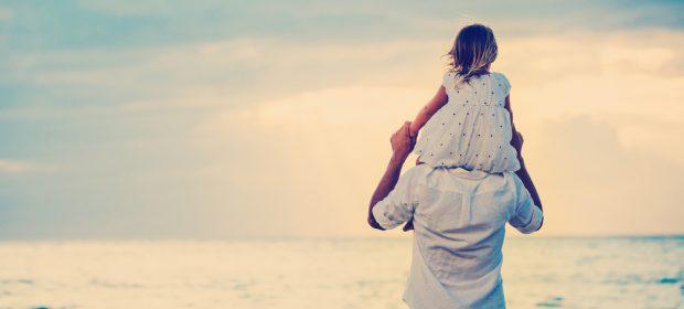 in-vacanza-al-mare-con-papa