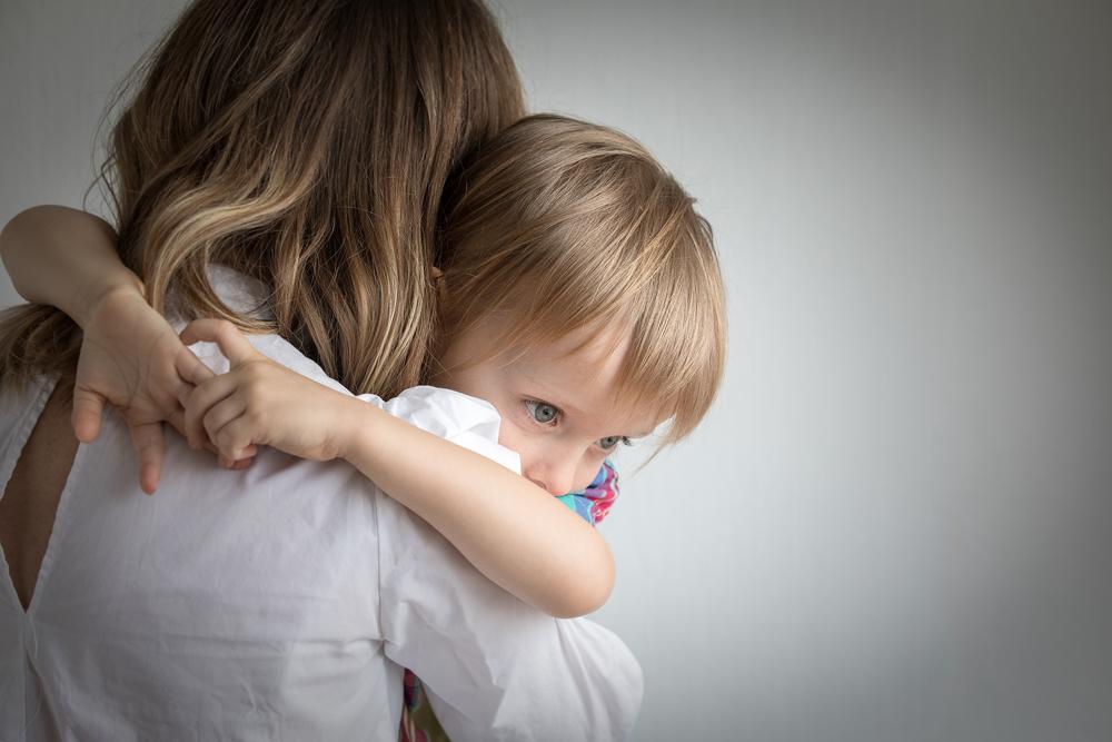 bambini-limportanza-del-metodo-holding-labbraccio-contenitivo-che-li-calma