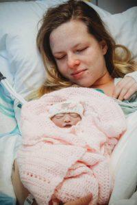 la-figlia-muore-subito-dopo-il-parto-mamma-dona-oltre-100-litri-di-latte-agli-altri-neonati