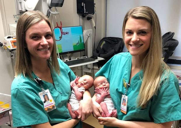 due-infermiere-gemelle-fanno-nascere-due-gemelline