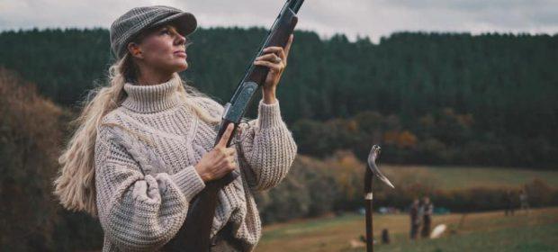 la-cacciatrice-che-da-ai-figli-solo-selvaggina-uccisa-da-lei