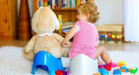 se-il-bambino-trattiene-la-pipi-istruzioni-per-gestire-la-situazione