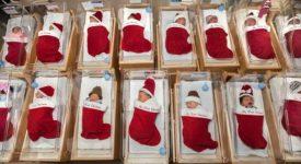 neonati-dentro-una-calza:-la-tenera-tradizione-di-un-ospedale-americano