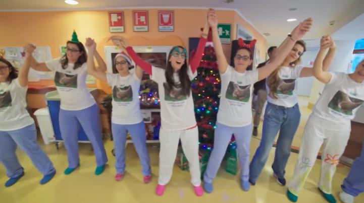 un-flash-mob-danzante-di-natale-all'ospedale-meyer-2019
