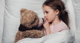 strani-comportamenti-dei-bambini