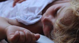 neonati-insonni:-seconodo-uno-studio-avrebbero-maggiori-probabilita-di-sviluppare-ansie-e-fobie