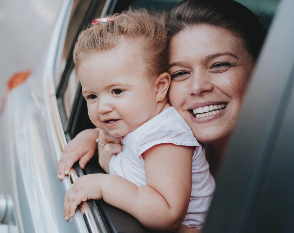 come-tranquillizzare-bambini-in-auto