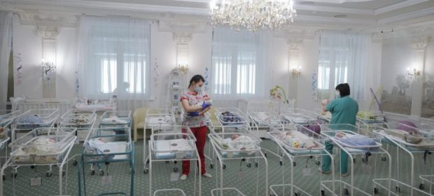 kiev:-bambini-nati-da-maternita-surrogata-lasciati-in-hotel-in-attesa-dei-genitori