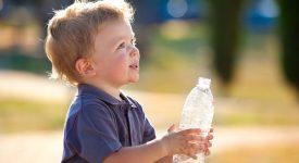 caldo-e-idratazione-quanta-acqua-serve-al-mio-bambino