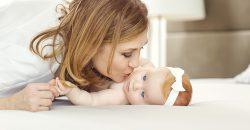 sempre-piu-neonati-positivi-al-covid-con-madre-sana-il-pediatra-basta-sbaciucchiarli