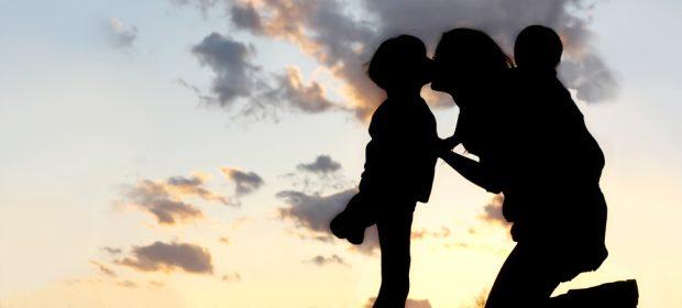 cognome-materno-ai-figli-ecco-cosa-potrebbe-cambiare