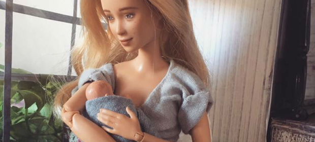 la-bambola-che-allatta-il-progetto-di-una-mamma-per-raccontare-la-vera-maternita