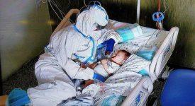 la-carezza-tra-infermiera-e-un-piccolo-malato-di-covid-che-ha-commosso-il-web